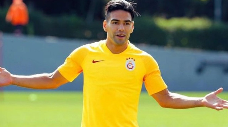 G.Saray'da Falcao şoku