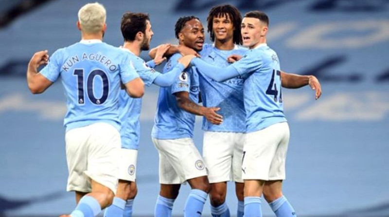 Manchester City, Arsenal'i Sterling ile devirdi!